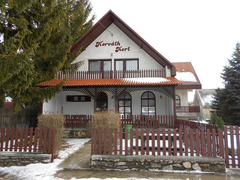 HORVÁTH KERT VENDÉGHÁZ (Zirc belváros)